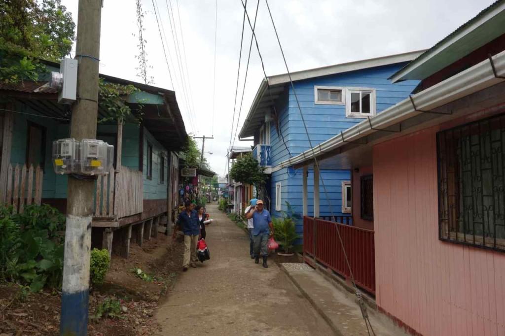 Zentralamerika, Nicaragua, Hauptstraße von El Castillo
