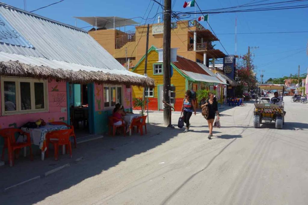 Zentralamerika, Mexico, Isla Holbox, Hauptstraße
