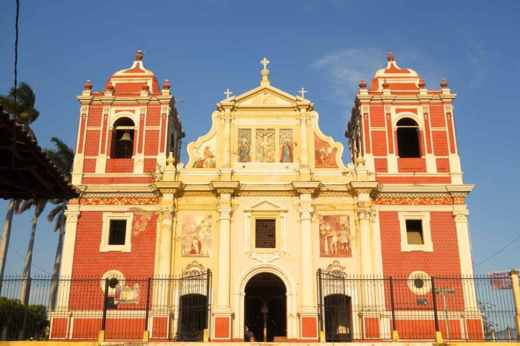 Zentralamerika Nicaragua, Kirche in León