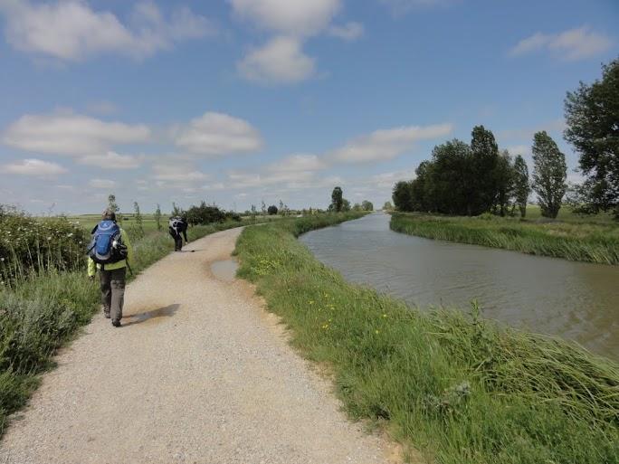 Jakobsweg, Entlang am Canal de Castilla, Foto Gert Kleinsteuber