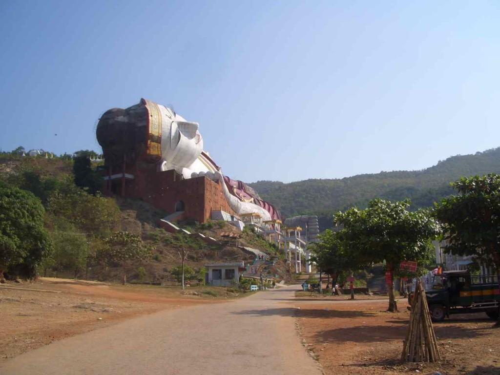 Myanmar, Reclining Buddha, Win Sein Taw Ya