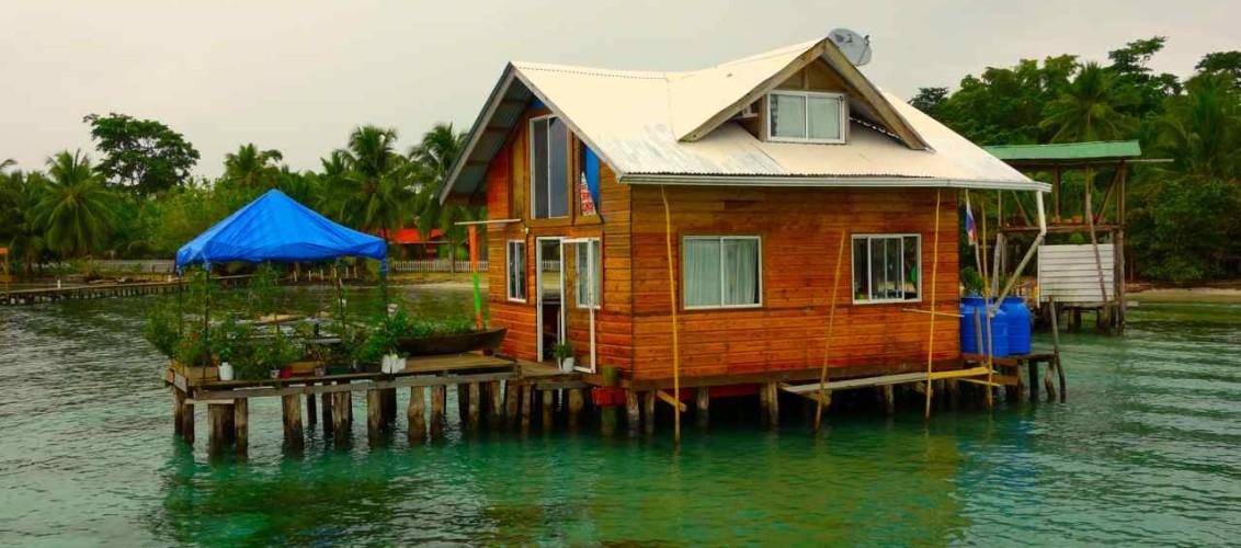 Panama, gegenüber von Isla Colón -Bocas del Toro)