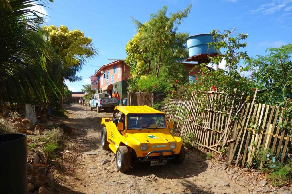 Brasilien Ilha Fernando de Noronha. Buggy, Hauptverkehrsmittel