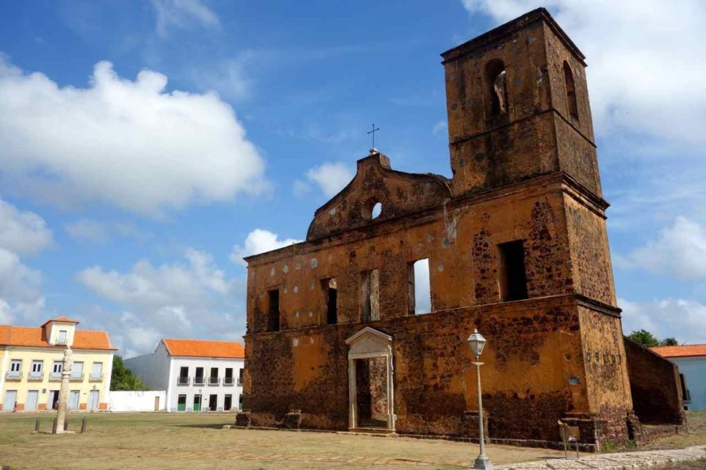 Alcántara, Kirche mit Züchtigungssäule