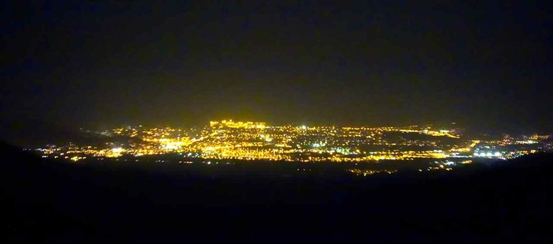 Kolumbien, Santa Marta bei Nacht, von Minca aus gesehen