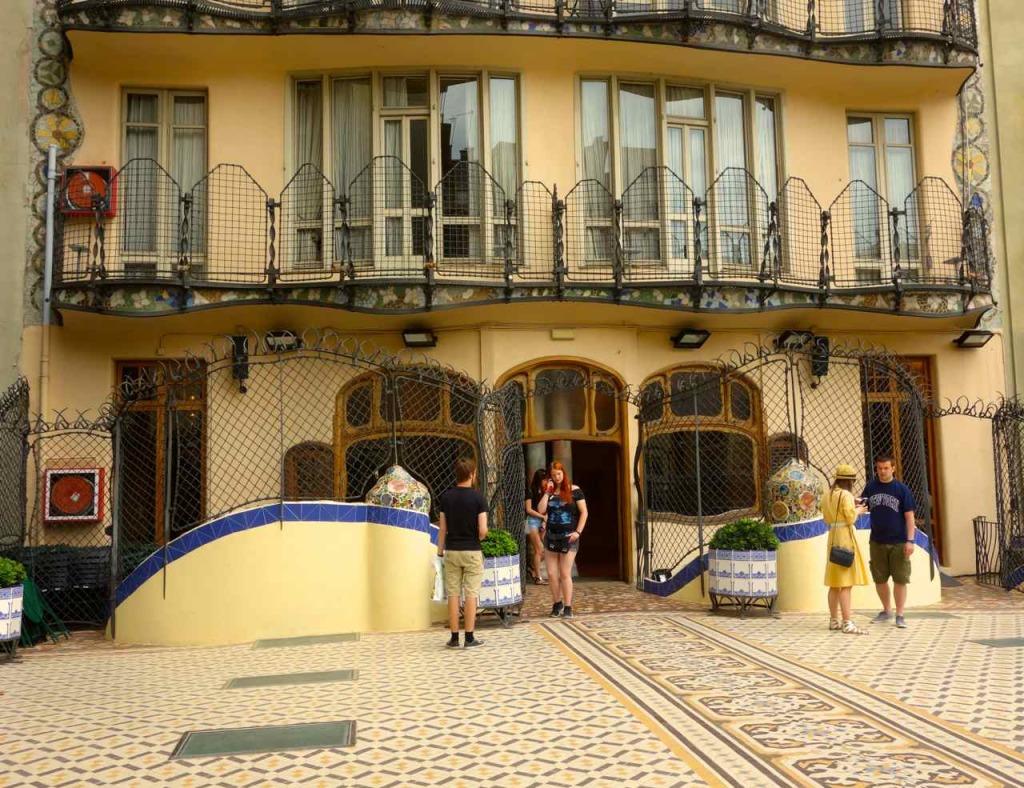 Casa Battlo Barcelona, Hof mit Terrasse
