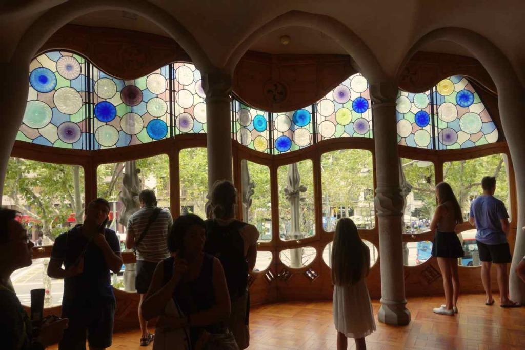 Casa Battlo Barcelona, Wohnzimmer mit Fenster