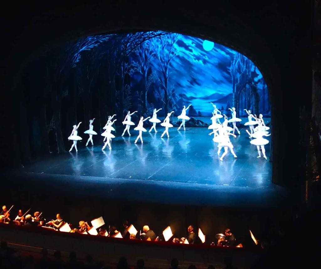 Russland, St. Petersburg Sehenswürdigkeiten, Schwanensee im Alexandrinski Theater