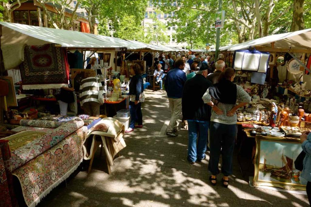 Flohmarkt Fehrbelliner Platz