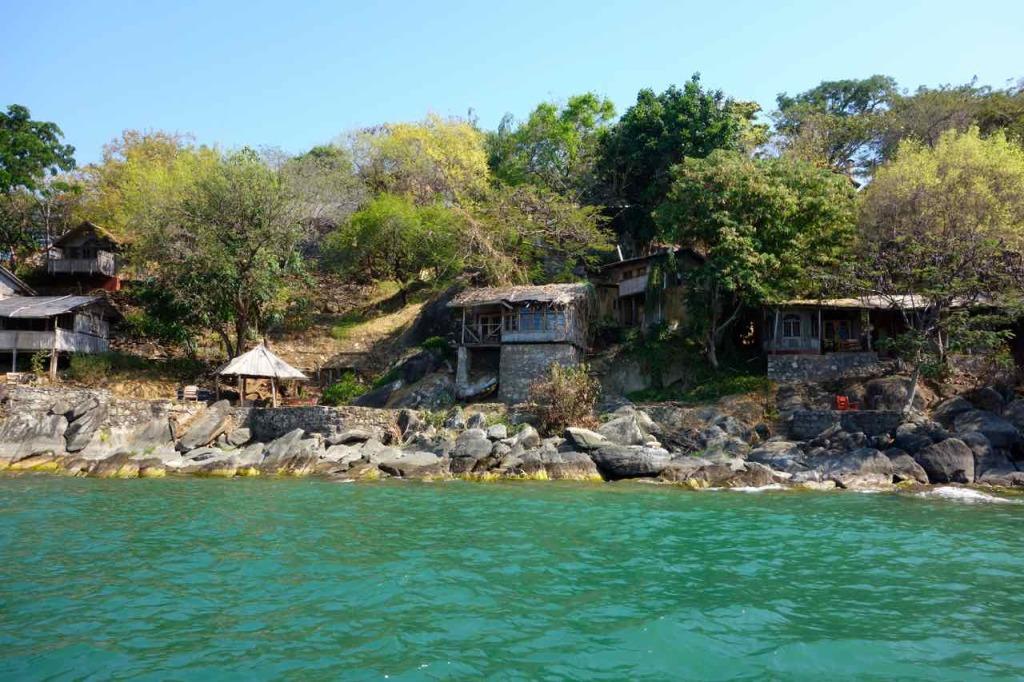 Malawi, Nkhata Bay, Mayoka Village vom Wasser