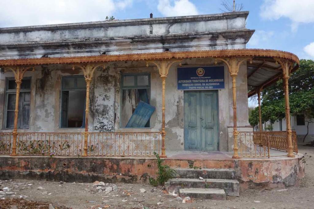 Mosambik, Ibo, zerfallenes Haus