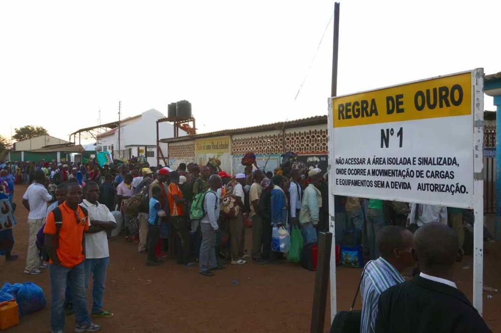 Mosambik, Zugfahrt Cuamba - Nampula,