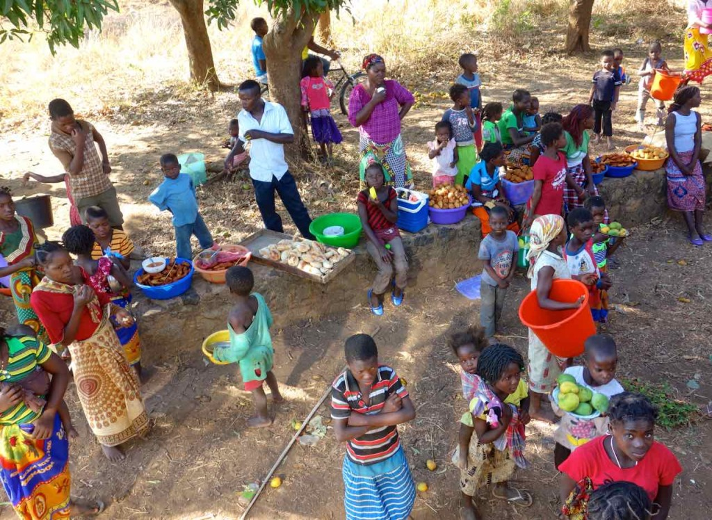 Mosambik, Zugfahrt Cuamba - Nampula, Händler