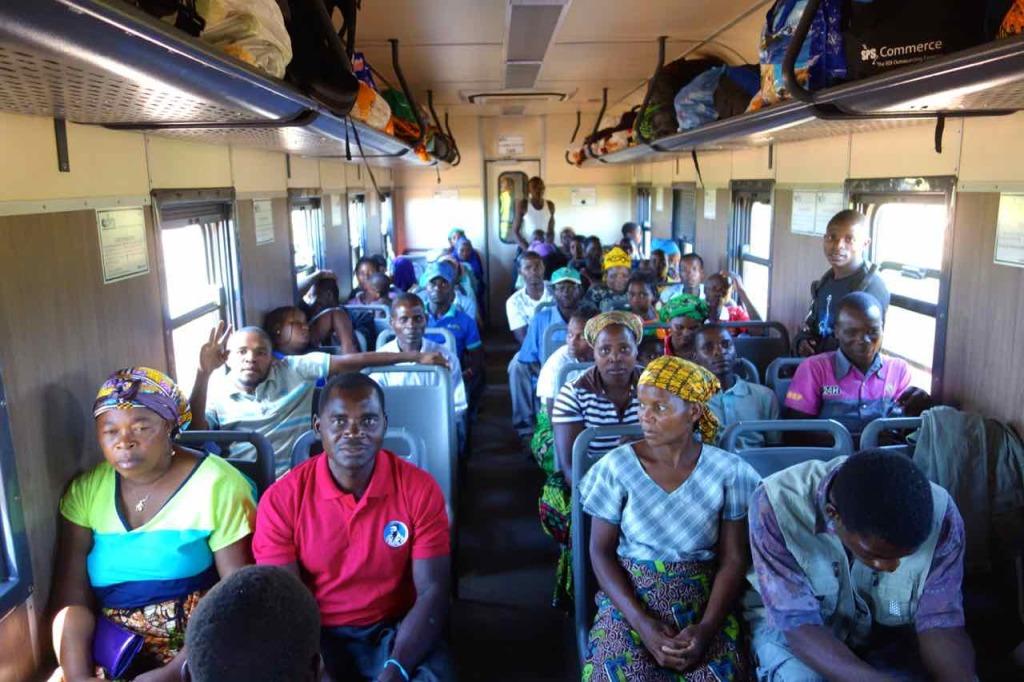 Mosambik, Zugfahrt Cuamba - Nampula, Zweite Klasse