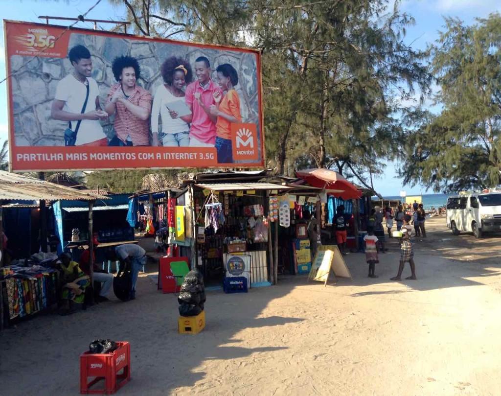 Mosambik, Tofo, Hauptstraße