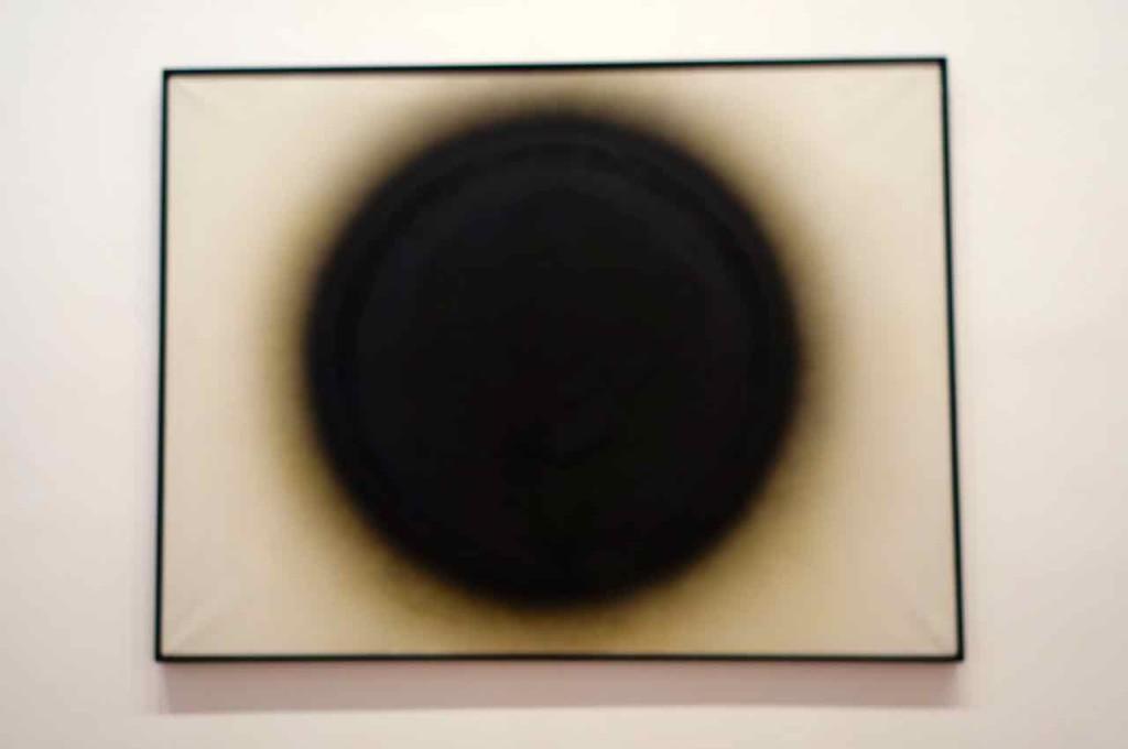 ZERO, Otto Piene, Venus von Willendorf, 1965, Öl und Ruß auf Leinwand, 150 x 200cm
