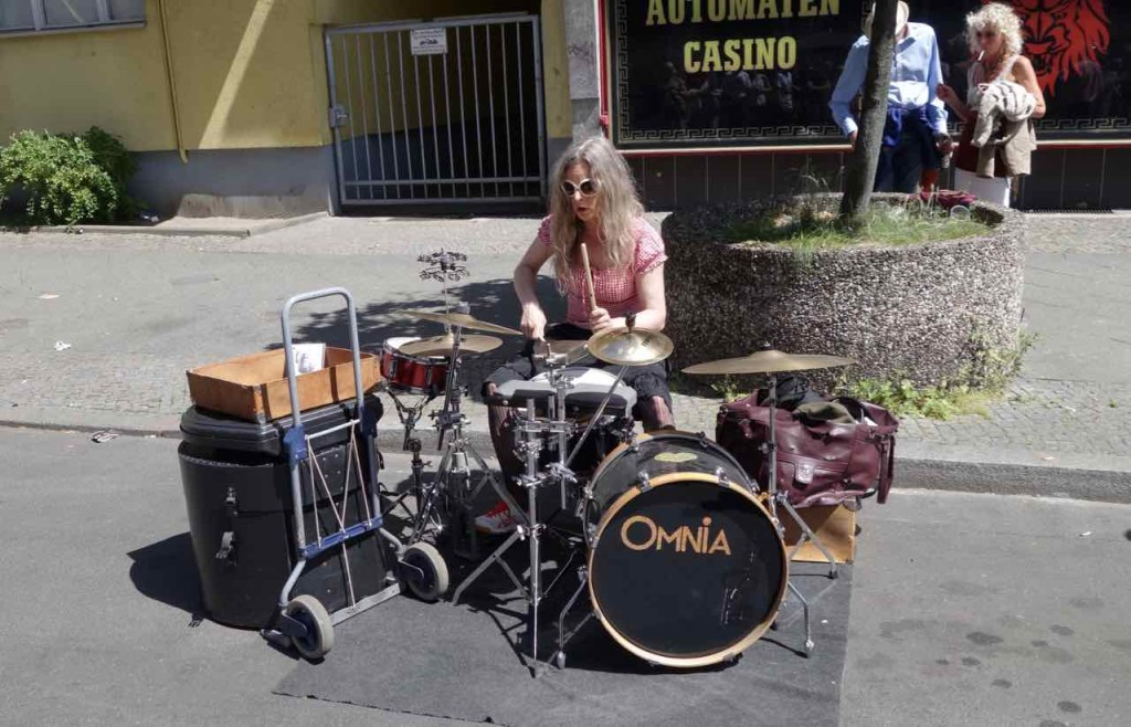Karneval der Kulturen 2015 Schlagzeugerin