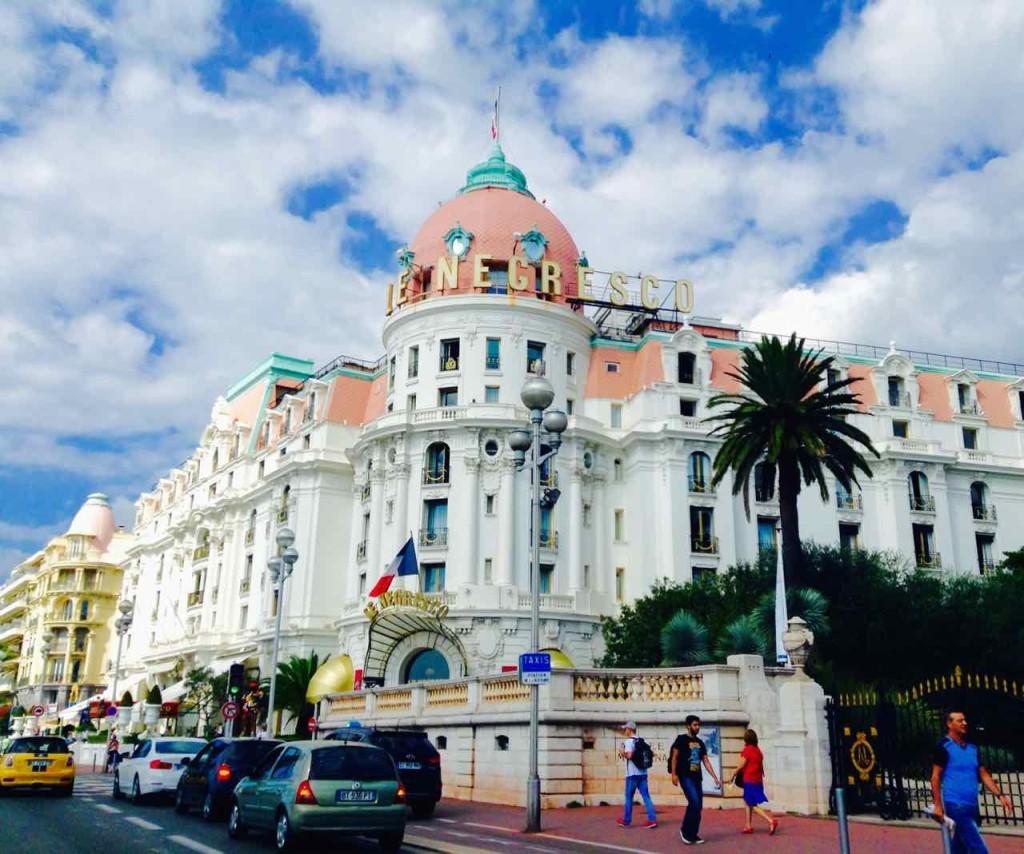 Nizza Highlight - Das Hotel Negresco ist ein Klassiker