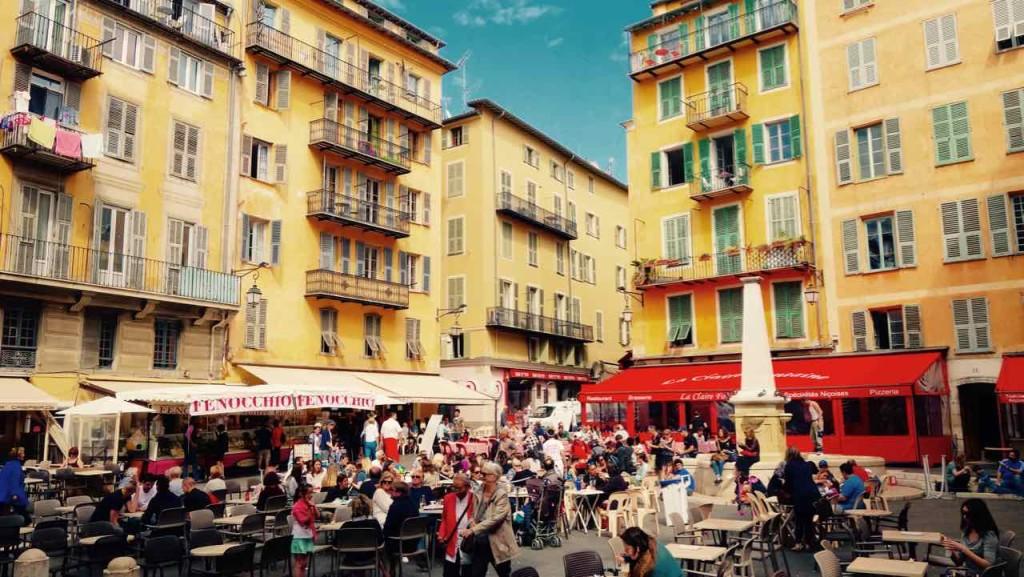 Nizza Highlights, Place Rosetti mit Brunnen und Eisdiele Fenocchio