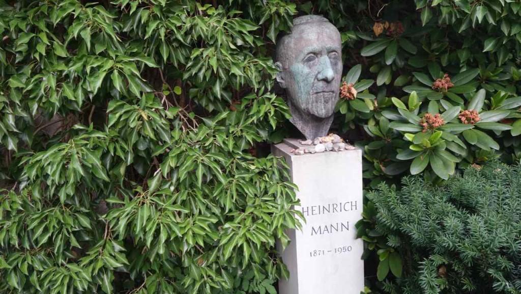 Dorotheenstädtischer Friedhof in Berlin. Grab von Heinrich Mann (1871 - 1950)