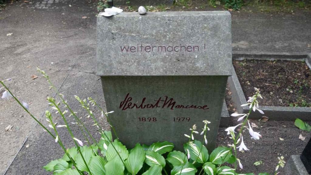 Dorotheenstädtischer Friedhof in Berlin. Grabstätte von Herbert Marcuse (1898 - 1979)