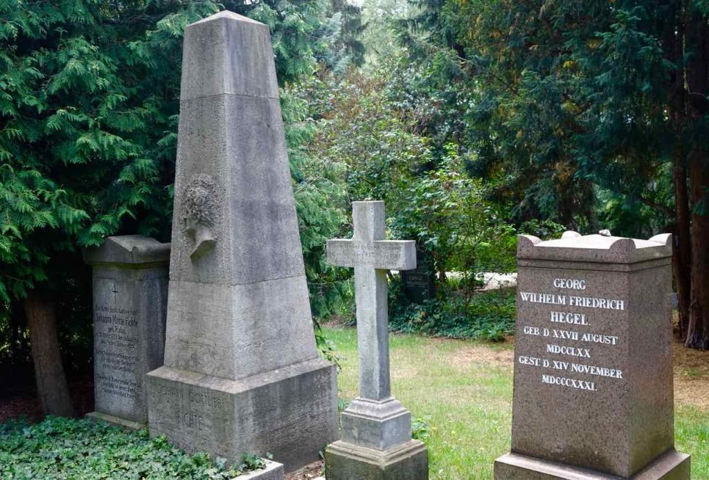 Dorotheenstädtischer Friedhof in Berlin, Ruhestätten von Hegel und Fichte