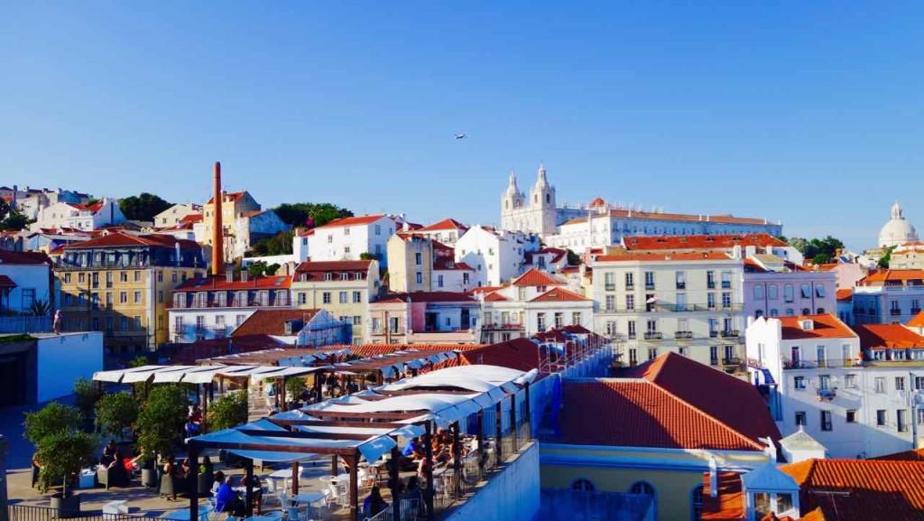 Lissabon Tipps, Blick vom Portas do Sol Richtung Kloster Sao Vicente