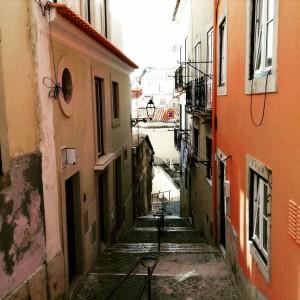 Lissabon Tipps: Gasse im Alfama