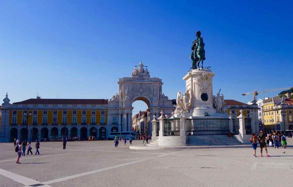 Lissabon Tipps: Praça do Comércio mit Reiterstandbild