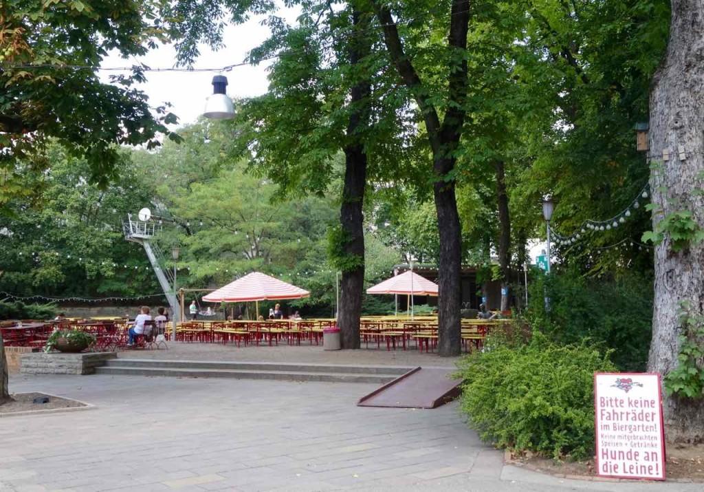Berlin, Pratergarten, Biergarten in der Kastanienallee