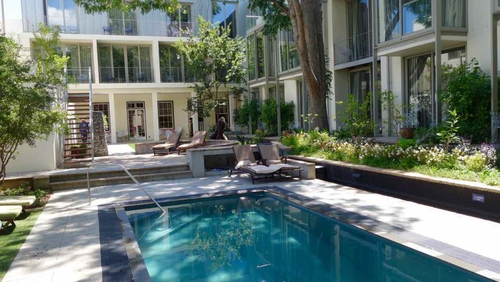 Stellenbosch, Hotel Oude Werf, Innenhof mit Pool