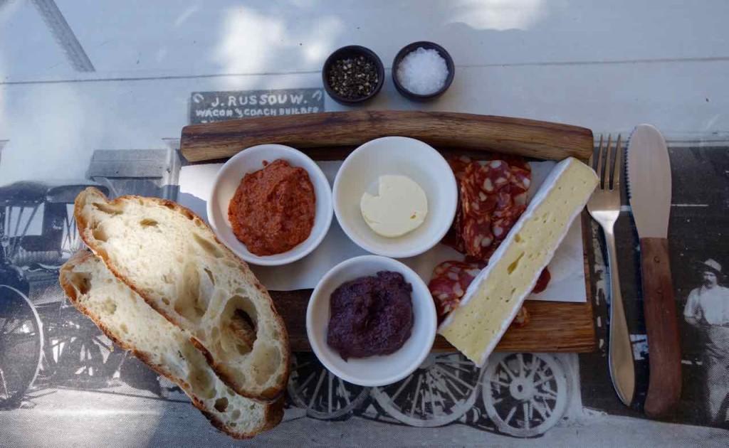 Stellenbosch: Lekker Essen im Schoon Decompanje