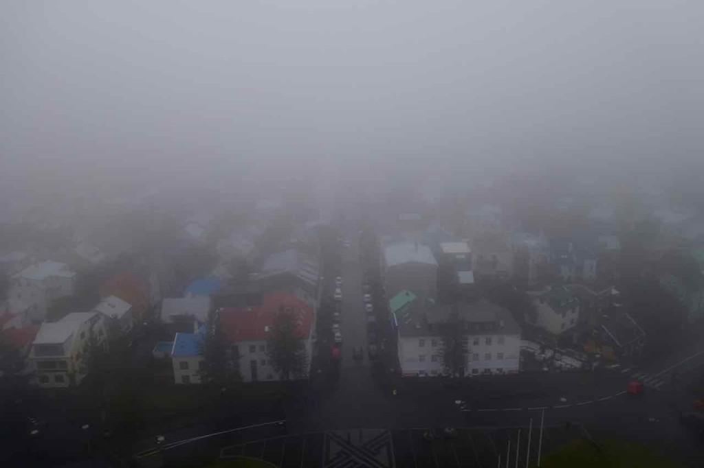 Blick von der Hallgrímskirkja bei schlechtem Wetter