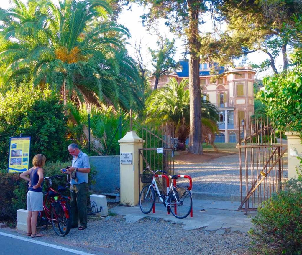 San Remo Villa Nobel mit Garten, vom Radweg aus gesehen