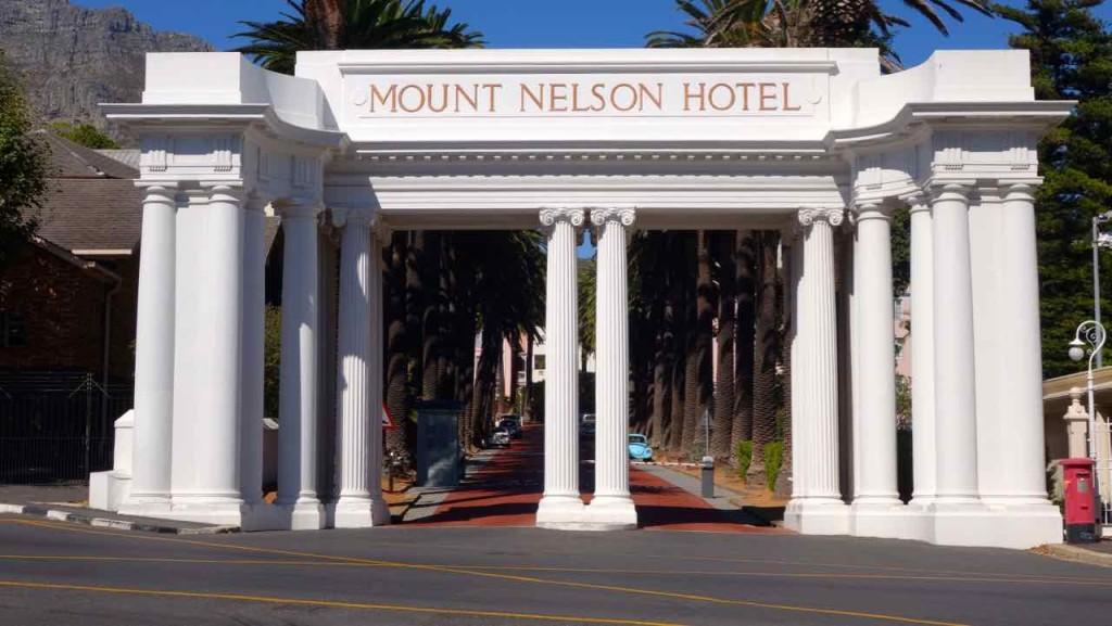 Kapstadt, Companys Garden, Eingang zum Mount Nelson Hotel 1