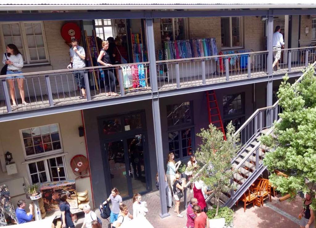 Kapstadt Foodmarket, Neighbourgoods Market, Kunstgewerbe und Designer, Innenhof