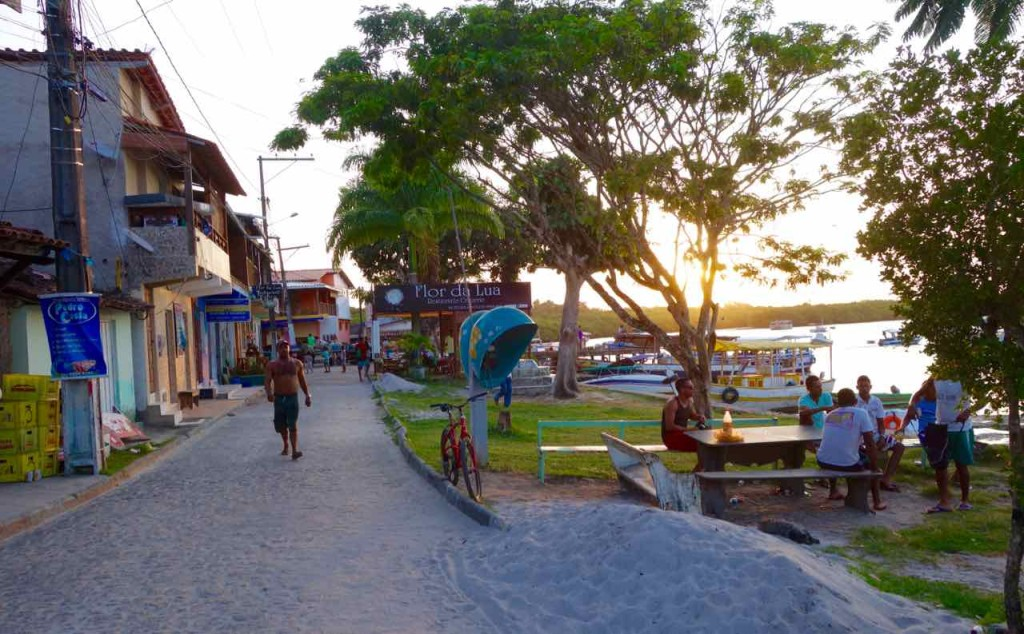 Brasilien Boipeba, Straße am Hafen