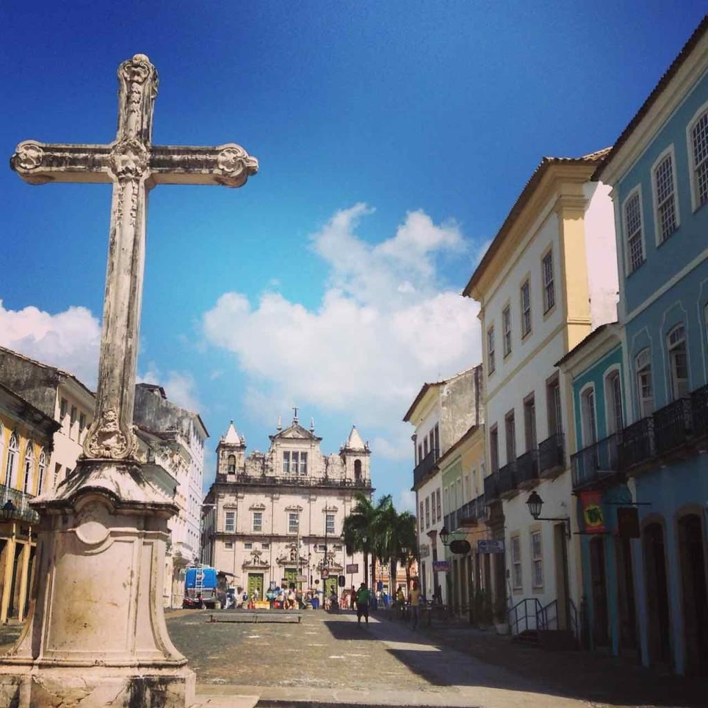Salvador da Bahia Tipps, Im Hintergrund Terreiro do Jesus mit Basilica