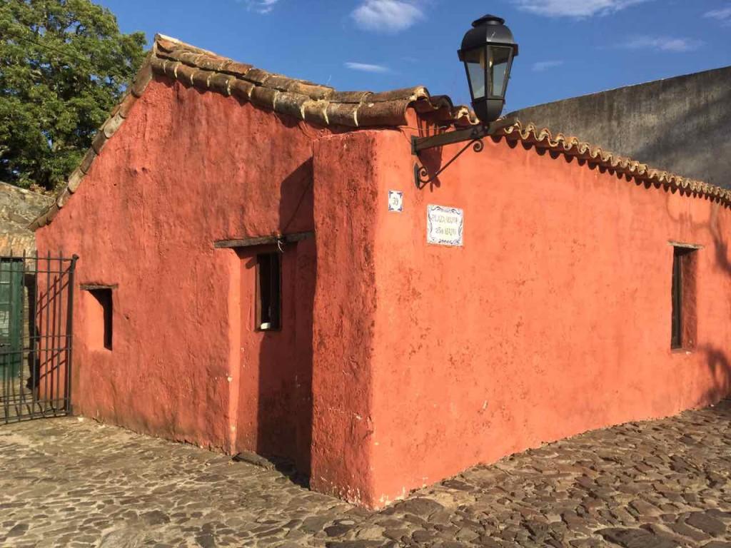 Colonia Uruguay, Casa Rosada, iPod-Foto
