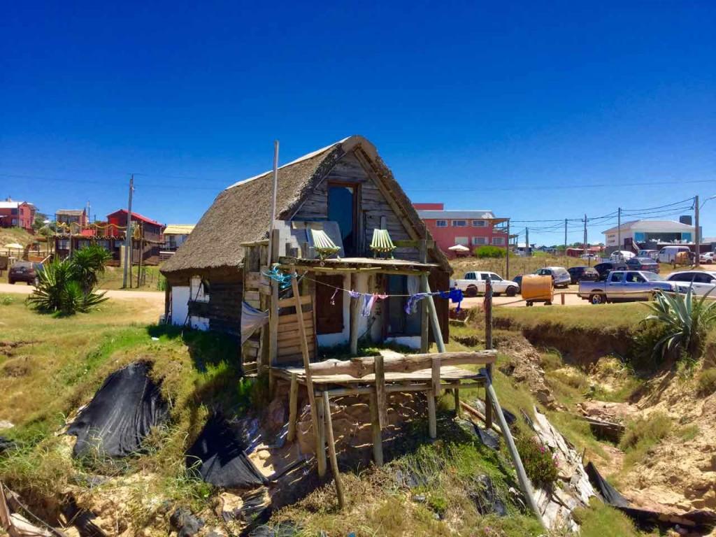 Punta del Diablo Strand, 1. Unmittelbar am Strand, aber offenbar nicht zu mieten? Uruguay