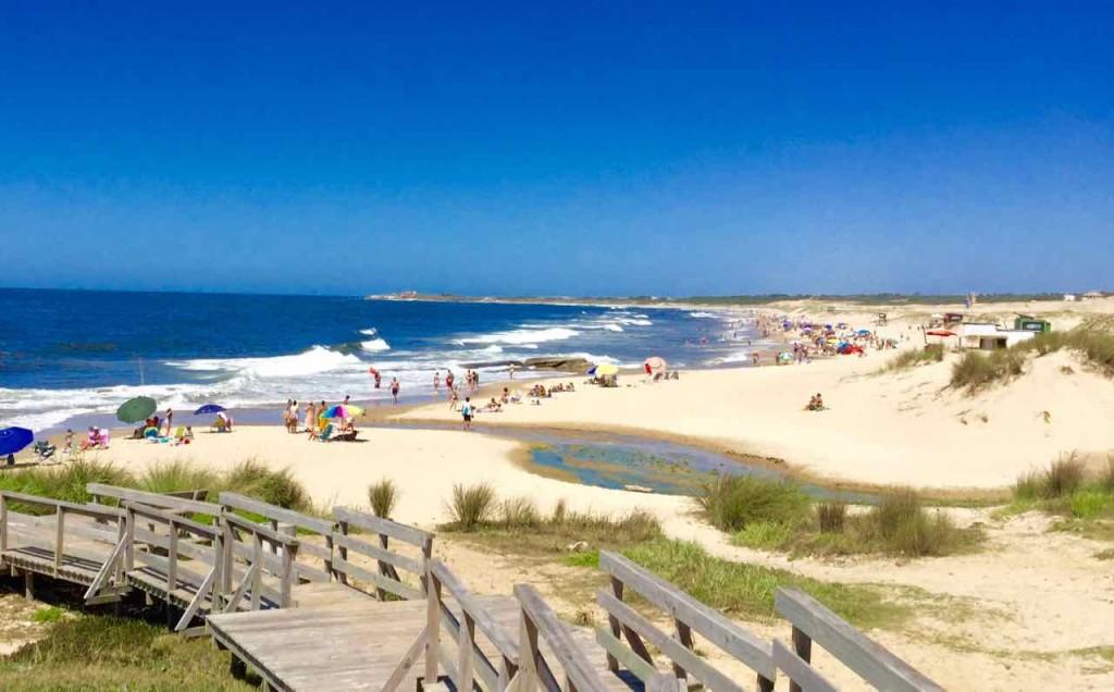 Punta del Diablo Strand Playa de la Viuda, Uruguay