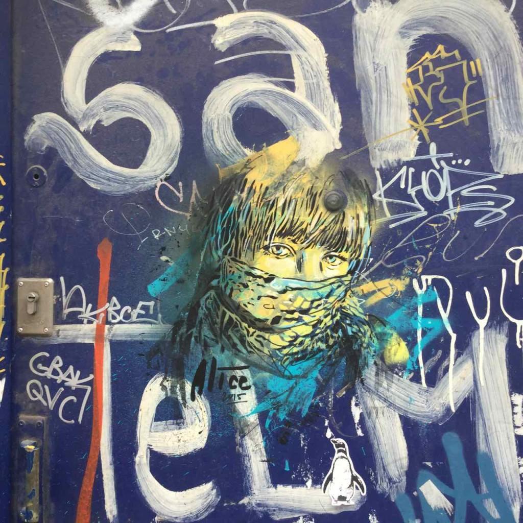 Buenos Aires Street Art, Artist: Alice (Italien), Auf einer Tür in San Telmo