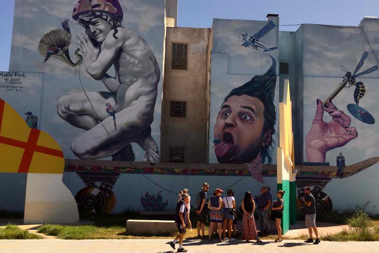 Buenos Aires Streetart, Totale, Artist: Martin Ron, Titelbild, © PetersTravel.de, iPod-Foto
