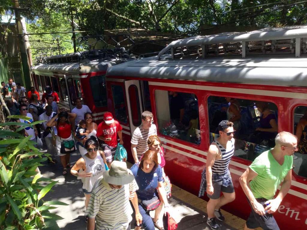 Christo Redentor Rio de Janeiro, Zahnradbahn mit Besuchern, Brasilien, iPod-Foto