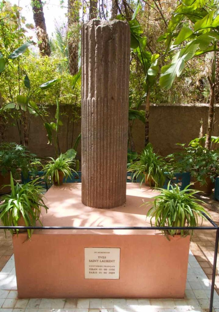 Jardin Majorelle Marrakesch, Gedenkstein für Yves St Laurent