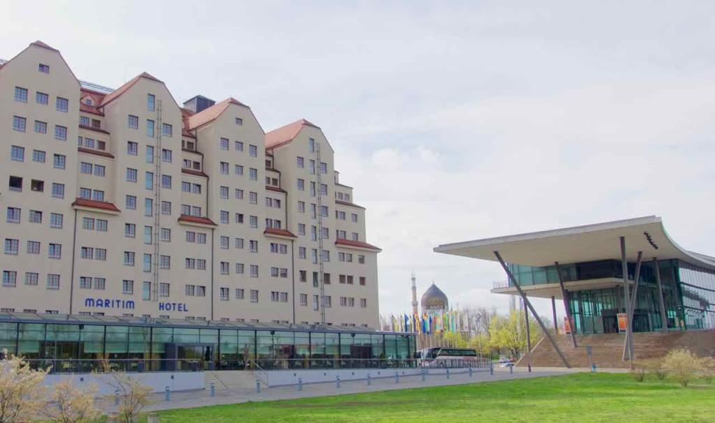 Dresden Sehenswürdigkeiten, Hotel Maritim mit dem Eingang des Internationalen Congress Center 1