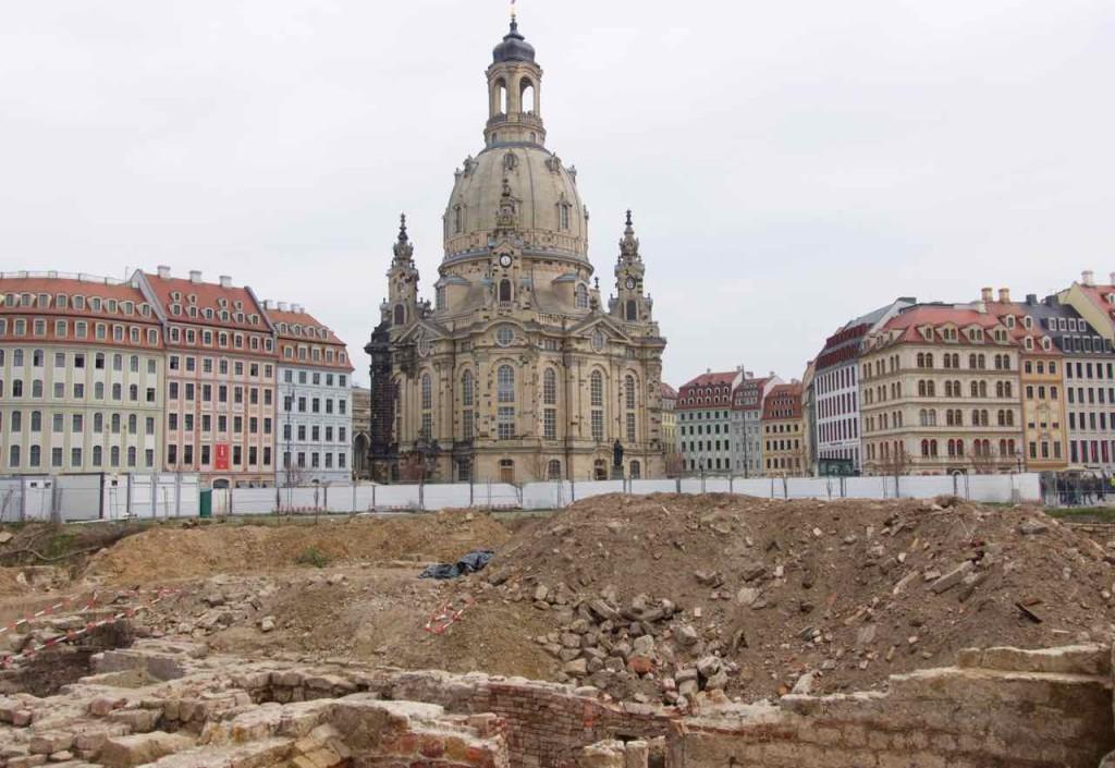 Dresden Sehenswürdigkeiten, Kellergewölbe am Neumarkt, Freie Sicht auf die Frauenkirche