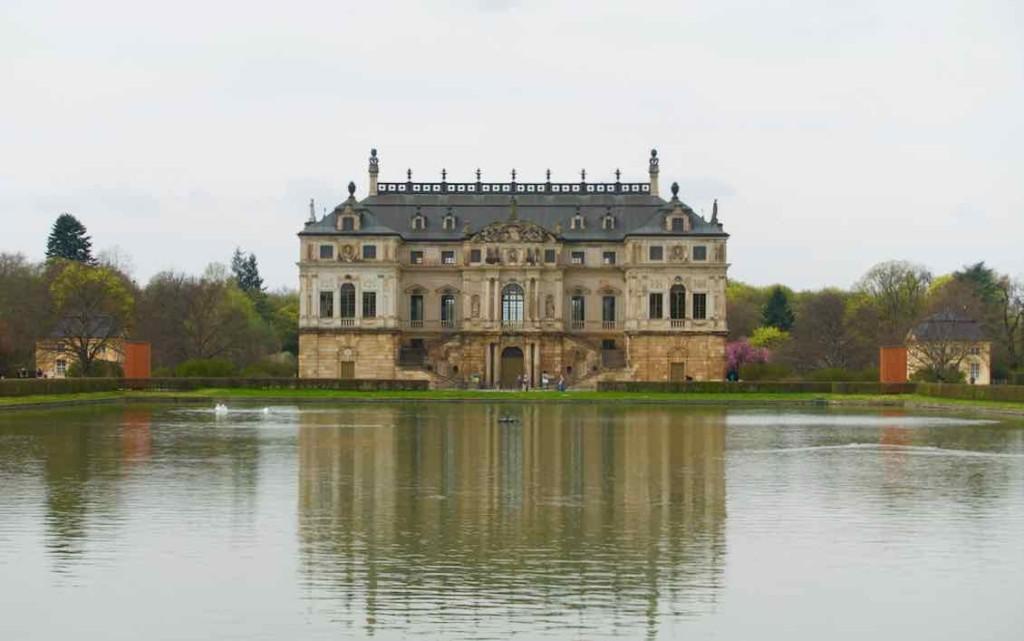 Dresden Sehenswürdigkeiten, Palais mit See im Großen Garten