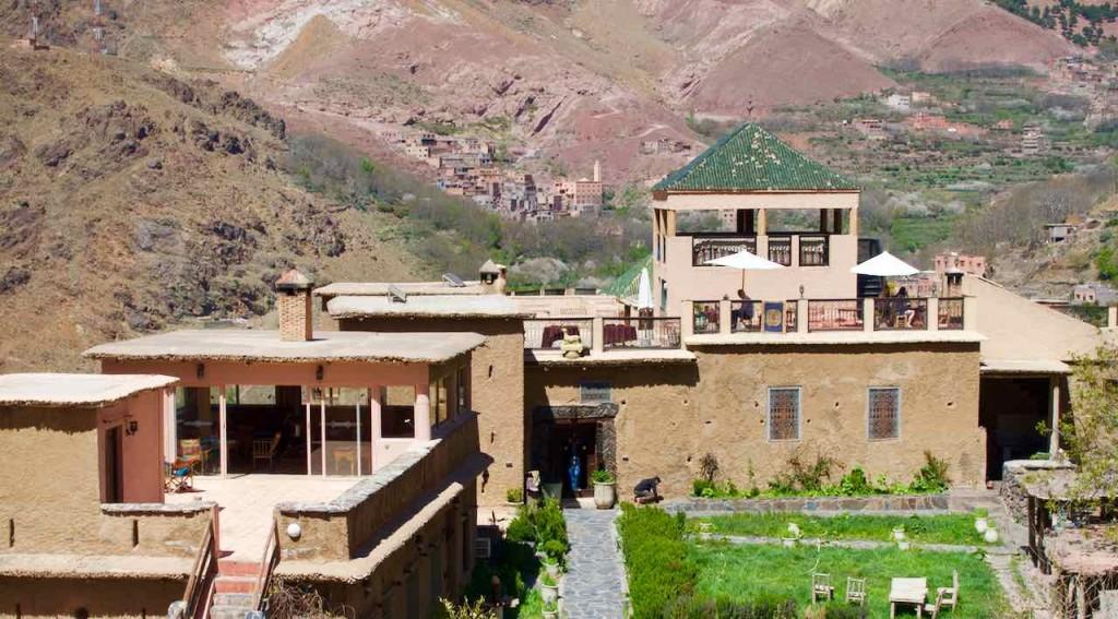 Kasbah du Toubkal Imlil Tal, Terrasse mit Garten, Totale, Marokko