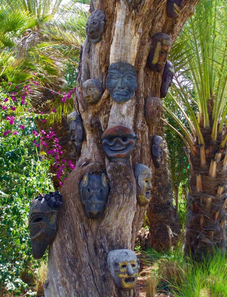 Marrakesch Sehenswürdigkeiten Anima Garten von André Heller, Maskenbaum hochkant, Marokko